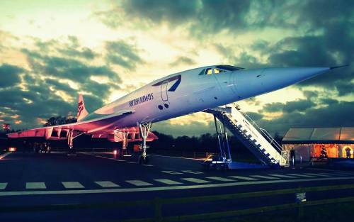"wanariefimran:  ""One of many moments when Concorde looks her best…"" -D. Coleman"