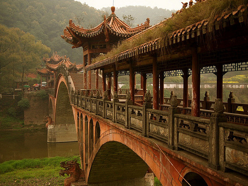 westeastsouthnorth:  Leshan, Sichuan, China