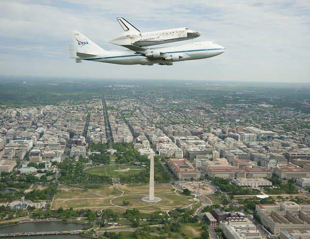 chiefie:  Space Shuttle Discovery DC Fly-Over (201204170006HQ) by nasa hq photo on Flickr.