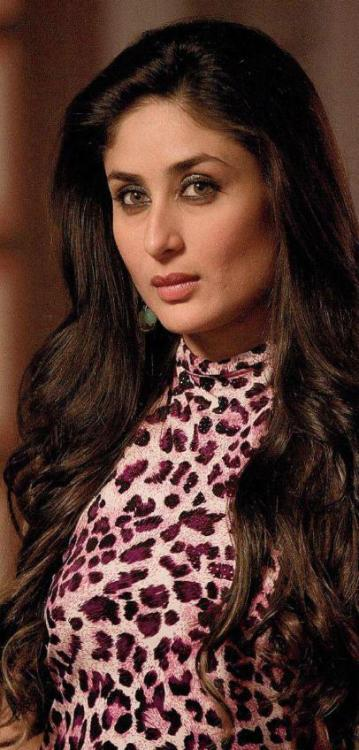 Kareena Kapoor (Talaash) Anybody like that animal print top she is wearing?