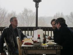 awesomepeoplehangingouttogether:  Anthony Bourdain and the Black Keys