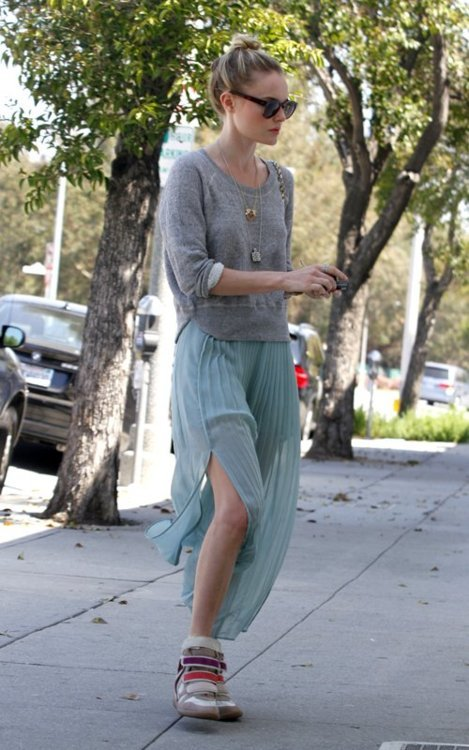 Kate Bosworth, making chic look so easy + comfortable.
