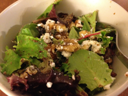 Lovely salad with walnuts, goat cheese and flax seed!
