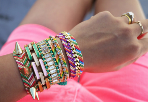 what-do-i-wear:  D.I.Y. Embellished Friendship Bracelets (image: honestlywtf)