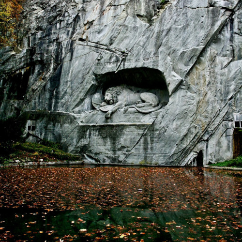 blindriver: Lion of Lucerne by Bertel Thorvaldsen