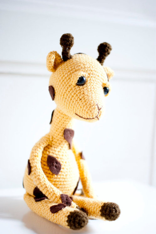 Stoic Giraffe via stitchesandpurls: via iloveetsy:via Amigurumi giraffe soft sculpture soft toy Gina by sofiasobeide)