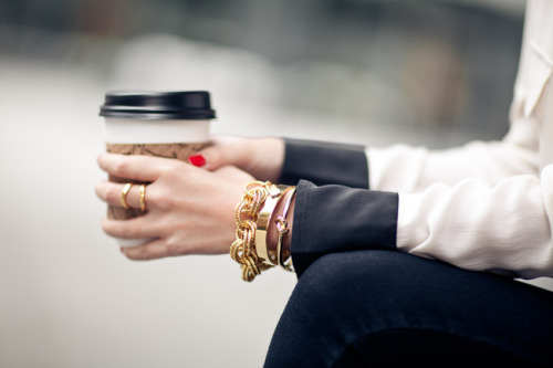 what-do-i-wear:  Accessories :: Kate Spade bangles  (image: wendyslookbook)