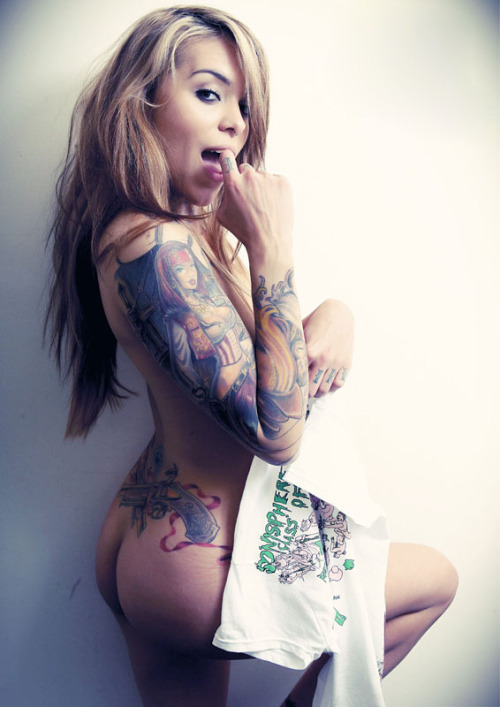ipowder:  Sexy Arabella Drummond