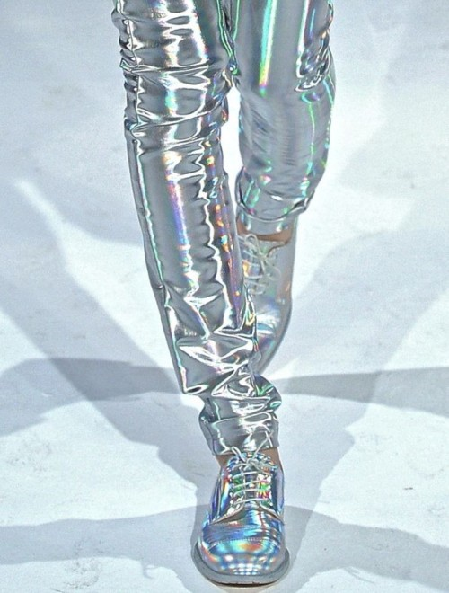 kathandrizos:  justchola:  Hussein Chalayan fw 12/13  theses ARE COOL PANTS