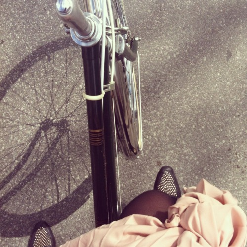 That's me!  tifamade:  I saw Anabela's new bike on Instagram and knew right away that I wanted to ask her for a fromwhereibike picture. This tiny little Instagram square encapsulates all that I love about Anabela's style. It's a gem of coral maxi skirt goodness + cute shoes + new bike excitement. Check out Fieldguided for Anabela's bike-themed posts this week. Including the sweet nautical reflector collar she made. Thanks Anabela! #fromwhereibike