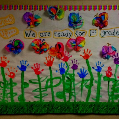 teachersintiaras:  End of the year bulletin board (for K5) I found on Pinterest. I love it!