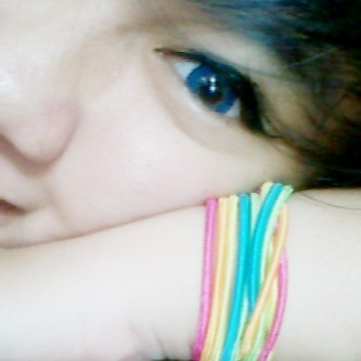 my eyes blue :)… so beauty …