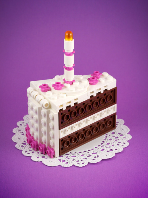 Let Them Build Cake! It's time for another one of my Build-It-Yourself Lego projects. You can download the model file and instruction guide for this chocolate cake (and an alternative yellow cake) at chrismcveigh.com. Alternatively, you can pre-order a kit from my Etsy store.