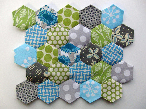 createcreatively:  These are such great colors! love a good honeycomb pattern