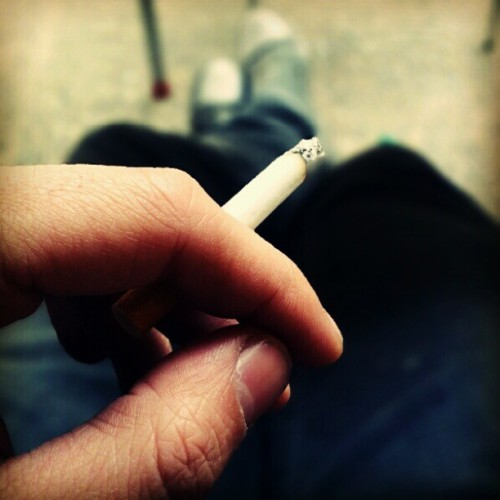 #smoke#smoking#webstagram, #iphone4, #iphoneonly, #iphonegraphy, #iphonesia, #igermadrid, #instagramespaña, #iphonegraphy, #pretty, #ignation, #instapretty, #instagood, #picoftheday, #bestpic, #bestpicture, #photo (Tomada con instagram)