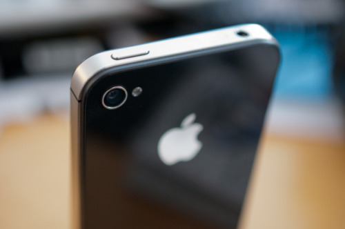 cnet:  Rumor: Next iPhone said to ditch glass for Liquidmetal, arrive in June  Now wait, is Liquidmetal the same material the T-1000 was made from? OMG, APPLE IS MAKING A TERMINATOR PHONE!