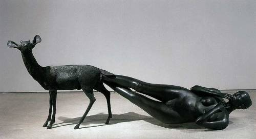 kapujanincs:  Kiki Smith Born (2002)