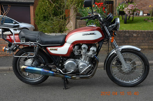 For those in the UK with a few thousand pounds to spare, this CB750KZ has 728 miles on it! I've had a look at it and though I'm not an expert its convincing. You can see the colouring on the exhaust, the underside of the fenders are immaculate and it sounds so so sweet.  The paint on the tank has cracked a little but to be expected after 30 years.  It belonged to a collector who had 17 cycles in total, mostly Ariels, one of which I saw today, also with ridiculously low mileage. I cannot afford it and it's too good to customize anyway but if someone would buy a limb off me I'd gladly part with it.