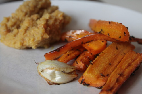 gettfitordietrying:  Lentil mash and oven baked carrots with garlic and lemon thyme. A part of yesterdays dinner.