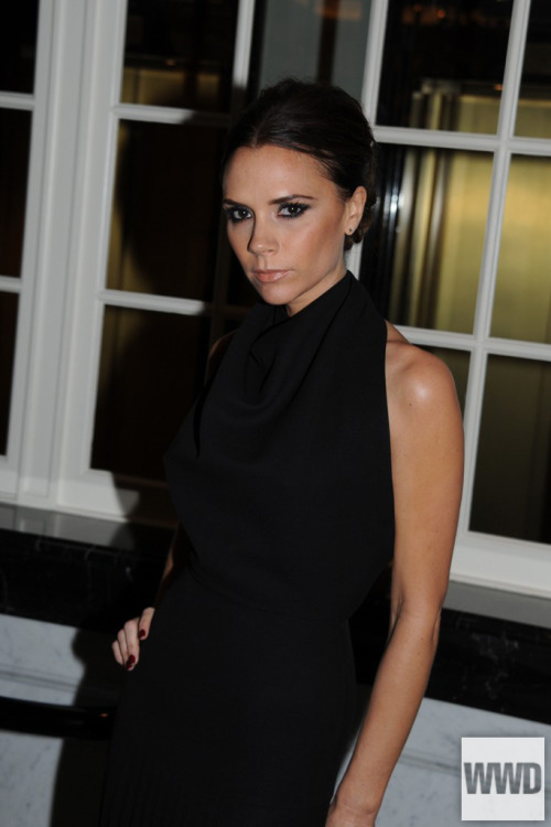 womensweardaily:  Victoria Beckham's Social View Beckham chats with WWD about social media, her Twitter strategy and her favorite style apps on her iPad.  For more  Www.soundcloud.com/lmfngNew music!!!