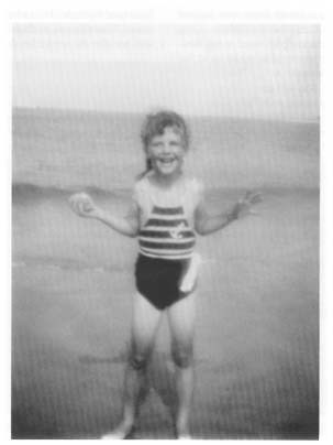 dxxvii:  libraryland:  Sylvia Plath as a child