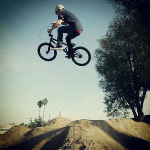 Damn. This is back in the day #bmx #flowin #air #instagramhub #instagood #nofilter  (Taken with instagram)