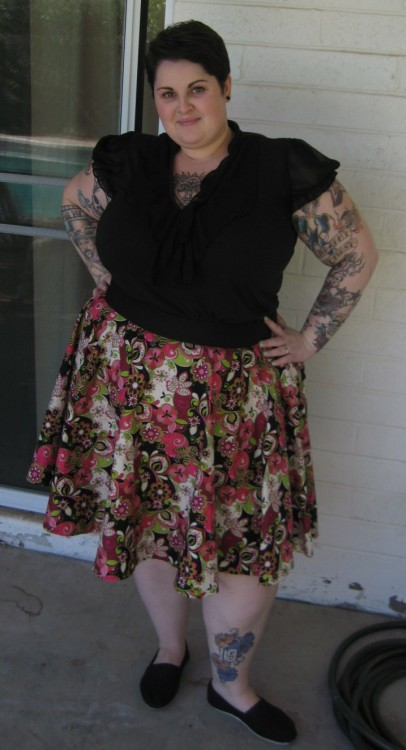 alibuttons:  fuckyeahchubbyfashion:  OOTD 4.18.12 I chopped my hair off again last night. I don't know why I ever bother to try to grow it. Top - Torrid, Size 2 (It has some sheer flowy (?) stuff on the front, but it doesn't show up here for some reason) Skirt - Homemade! Fabric is from JoAnn's - About a size 24-ish Shoes - TOMS, size 9 (If you haven't noticed, I practically live in TOMS. Best shoes ever.) Making circle skirts are becoming a piece of cake. It's everything else that seems insanely difficult. I am in the middle of making a dress from a pattern, but I probably should have tried to make a shirt first! #Sewing problems  Must learn how to make a skirt like that!  Hottie McHotterson!