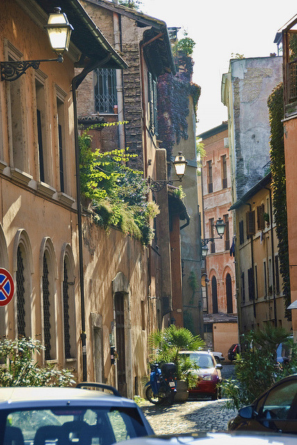 ysvoice:  | ♕ |  Ancient streets - Centro Storico, Rome  | by © Julie Richards