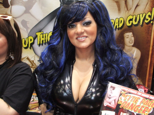Glamour and fetish model Charlie Mancini wearing a sexy PVC catsuit.  @C2E2 2012