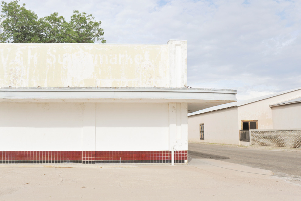 one of my favorite marfa corners [wonders behind that wall] via: ella-loves