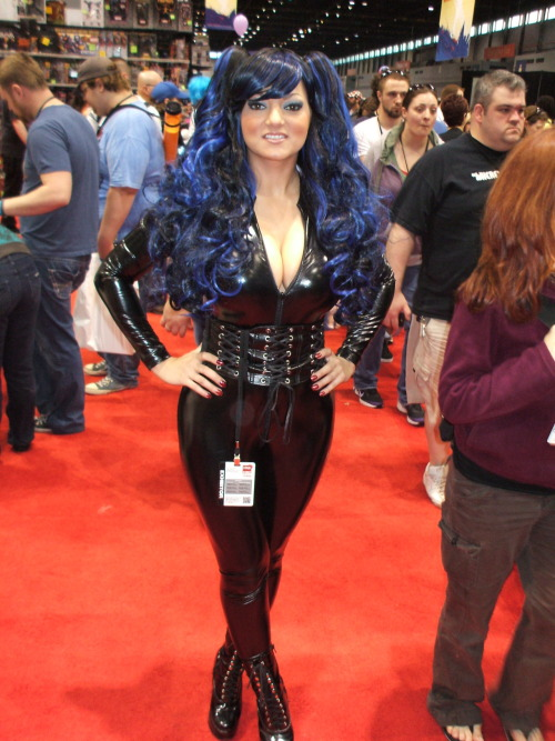 Fetish and glamour model Charlie Mancini wearing a sexy PVC catsuit.  @C2E2 2012