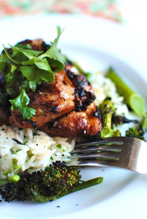 food-porn-on-a-diet:  Grilled Hawaiian Chicken with Coconut Cilantro Rice