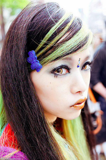 Hirari by tokyofashion on Flickr.