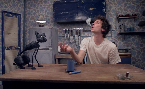 "Gotye's 'Somebody That I Used to Know' Roars to No. 1 on Hot 100…  Fueled by a ""Glee"" remake and his appearance on ""Saturday Night Live,"" Gotye scores his first No. 1 on the Billboard Hot 100 with his first entry on the songs chart, as ""Somebody That I Used to Know,"" featuring Kimbra, lifts 2-1.   With the ""Glee"" cast having performed its version of the song on the Fox series' April 10 episode and Gotye and Kimbra having sung ""Somebody"" on NBC's ""Saturday Night Live"" on April 14, the track sold 542,000 downloads in the April 9-15 tracking period, according to Nielsen SoundScan. The sum is the fourth-best since SoundScan began tracking digital sales in 2003. Here are the five highest weekly totals… at Billboard…"