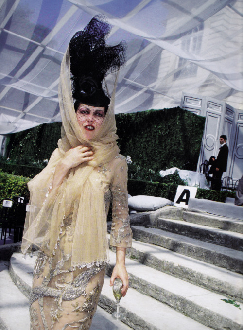 Isabella Blow photographed by Roxanne Lowit royaume:  Isabella Blow photographed by Roxanne Lowit