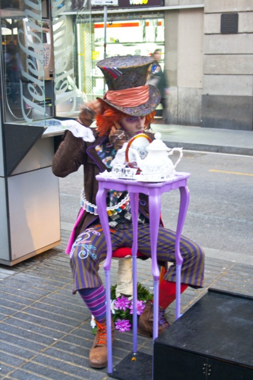 It's the MAD HATTER! :))La Rambla, Barcelona, Spain