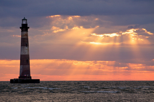 w4terrr:  Morris Island Lighthouse Source