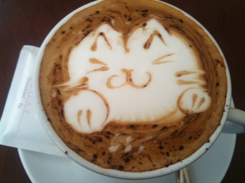 Latte art on Cappuccino by mahiro1322 on Flickr.