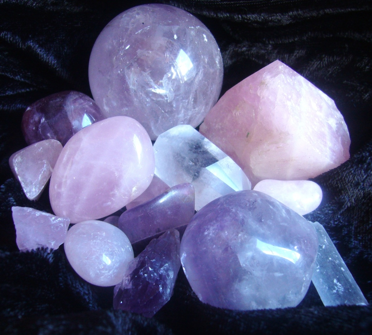eclipsis-lunae:  * :・゚°.¸  ☆ * crystals * magick * nature * ☆ ¸.°・゚: *