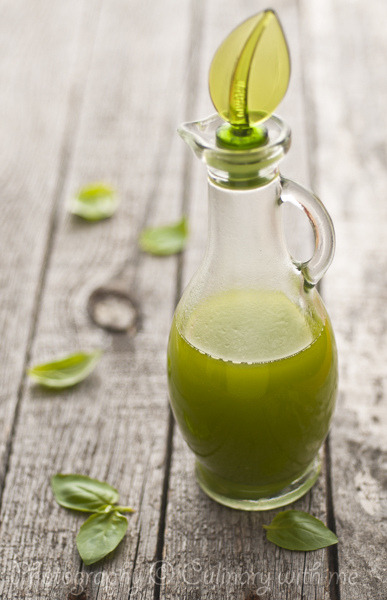Green herb oil by vanilllaph on Flickr.