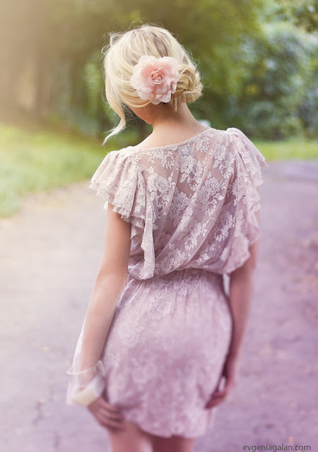 couturecourier:  Always blog lace. (via shu84: Evgenia Galan Photography)