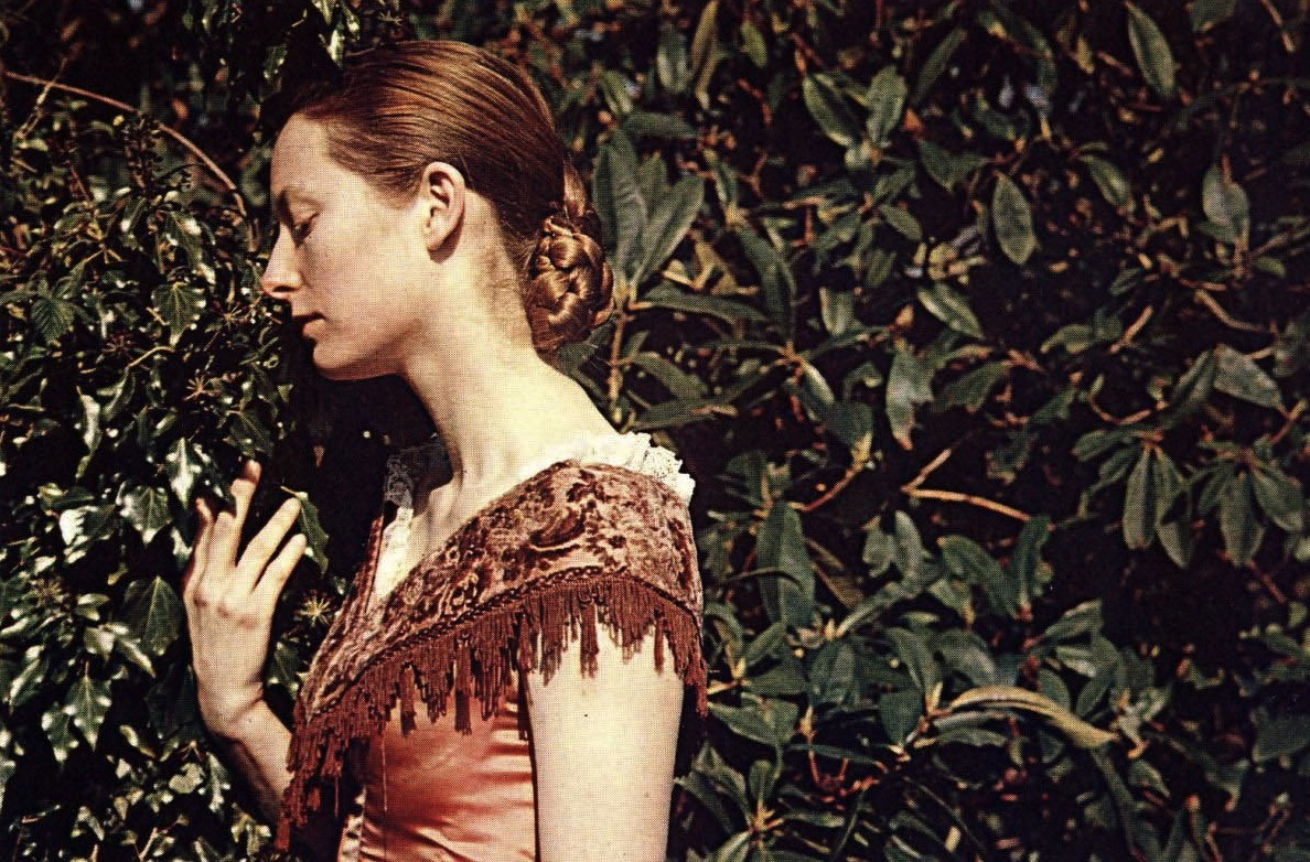 "1972projects:  1992: A production still of Tilda Swinton from Sally Potter's ""Orlando"" http://www.1972projects.blogspot.com"