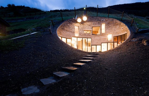 homedesigning:  Bizarre House Inside A Hill