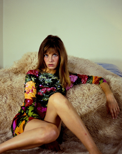 velvet-goldmines:  theyroaredvintage:  Jane Birkin, 1960s. Give me that dress.  JAAANEEEE B