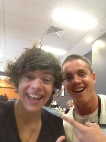 tans-vans-and-skateboards:  johnny ruffo & harry http://tans-vans-and-skateboards.tumblr.com/