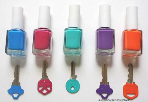 truebluemeandyou:  DIY Nail Polish Color Coded Keys. Practical and so useful. Found at A Bubbly Life here.  This is BRILLIANT