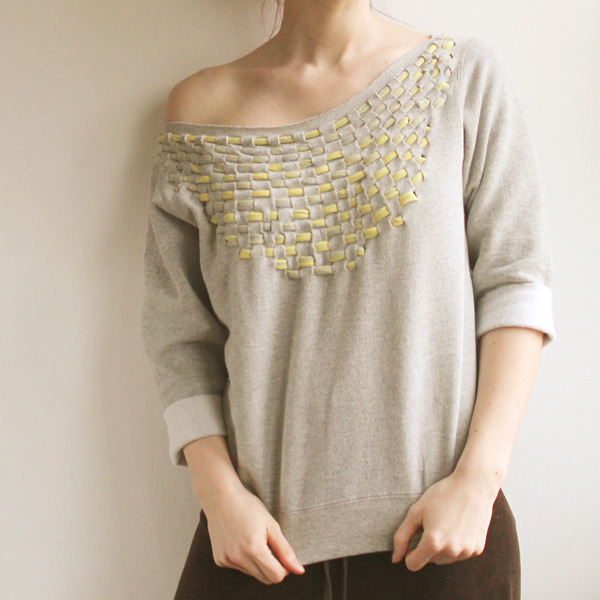 truebluemeandyou:  DIY Woven Jersey Sweatshirt. So much easier than it looks. Tutorial from The Forge here.