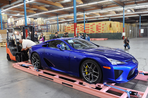 kingmeson:  Lexus LFA  (via imgTumble)
