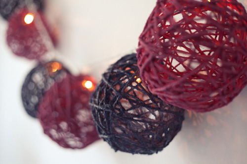 wattlebirdblog:  DIY twine ball light garland via Pocketful of Dreams