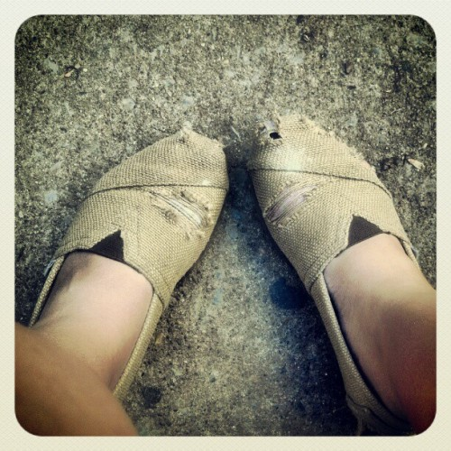 #toms #TOMS #school #college #shoes #beatenup #adventure #life #comfort #memories #holes #old #fabric #burlap (Taken with instagram) I like giving my shoes character.